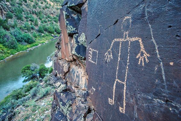 WILDERNESS-bumming_Petroglyph_Human_Bear
